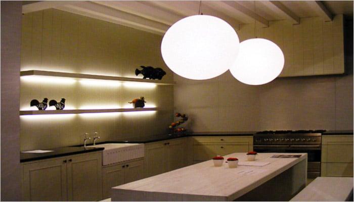 wit geverfde keuken in cottage stijl