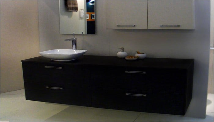 design badkamer met inloopdouche in mosaiek tegels