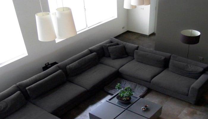 Moderne woonkamer foto 39 s en woonkamers ideeen - Kamer parket ...