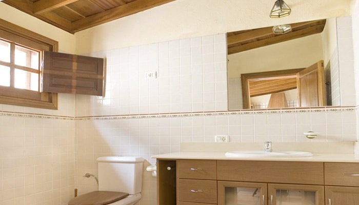 Landelijke Zuid-Franse badkamer