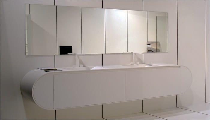 Witte design badkamer