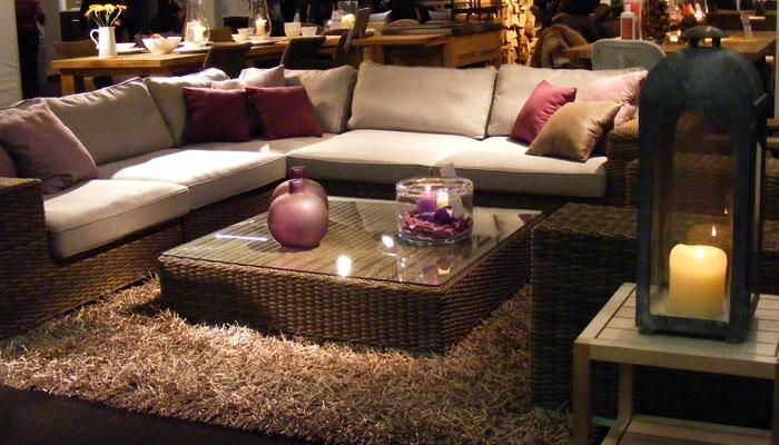 Rotan zetels rieten zitmeubilair met vierkant salontafel