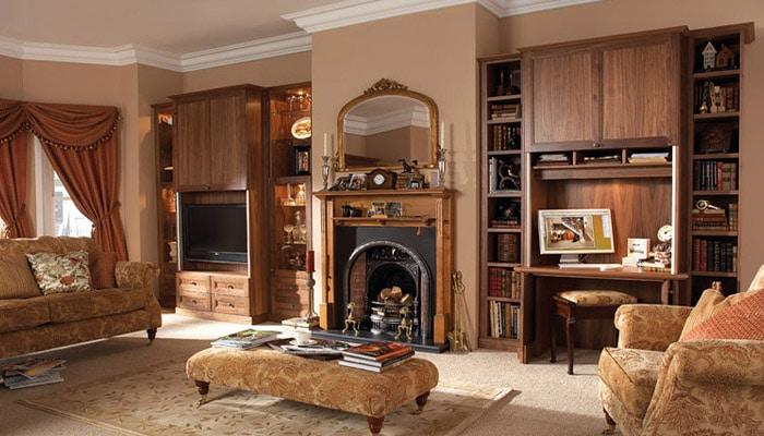 klassieke woonkamer bruine kleuren