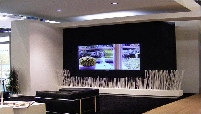 design woonkamers projectiewand met filmprojector aan de muur