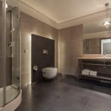 Badkamervloer plaatsen mogelijke materialen - Badkamer vloer ...