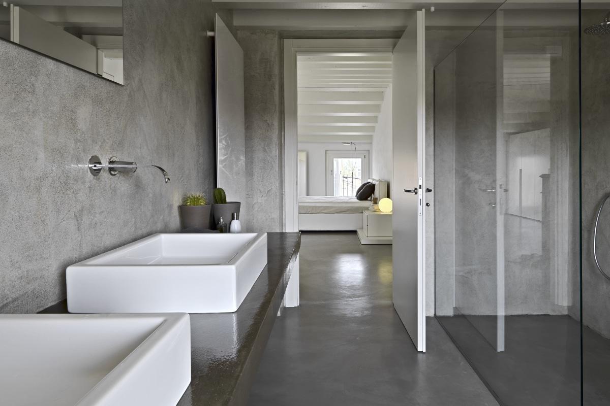 Beton cire gietvloer badkamer