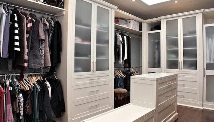 dressingroom inrichten aankleden online tips. Black Bedroom Furniture Sets. Home Design Ideas