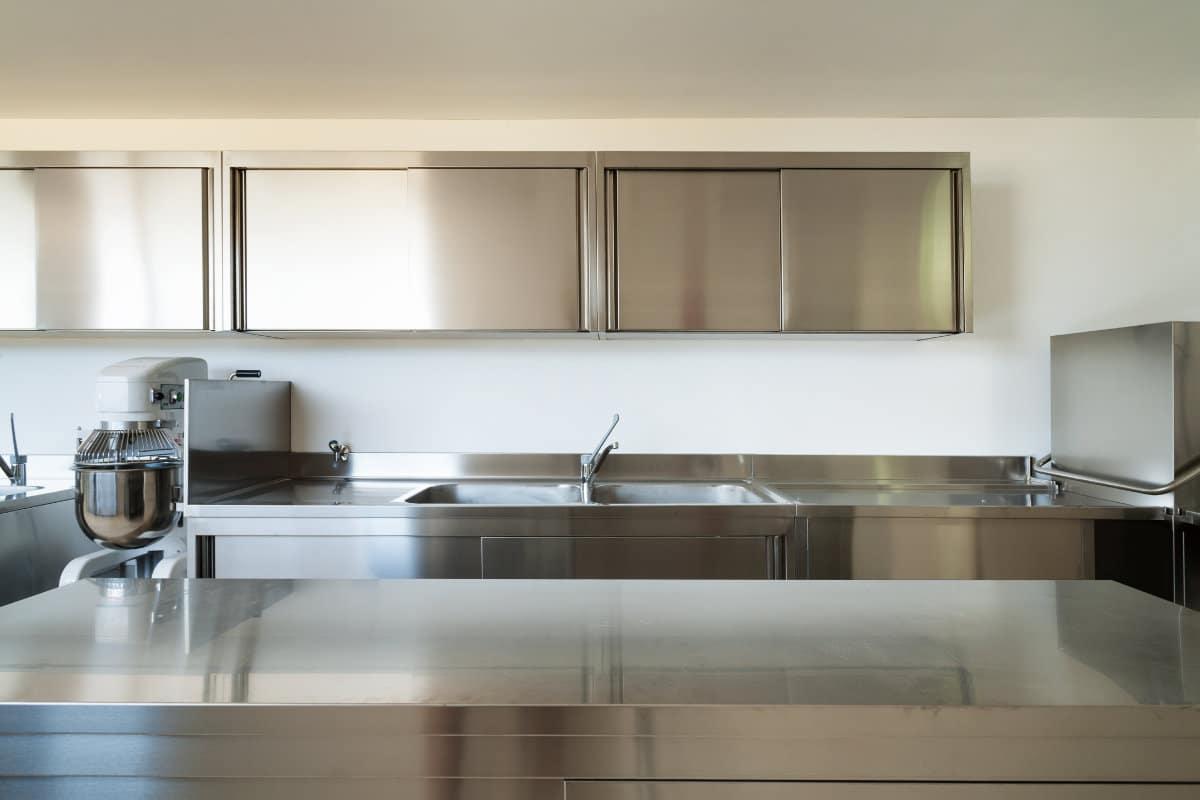 Industri le keuken kenmerken inspirerende voorbeelden for Industriele stijl