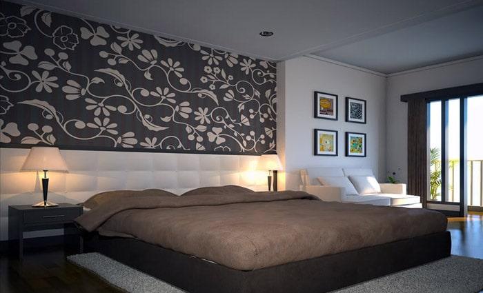 leuke accentwand in de slaapkamer met behang papier