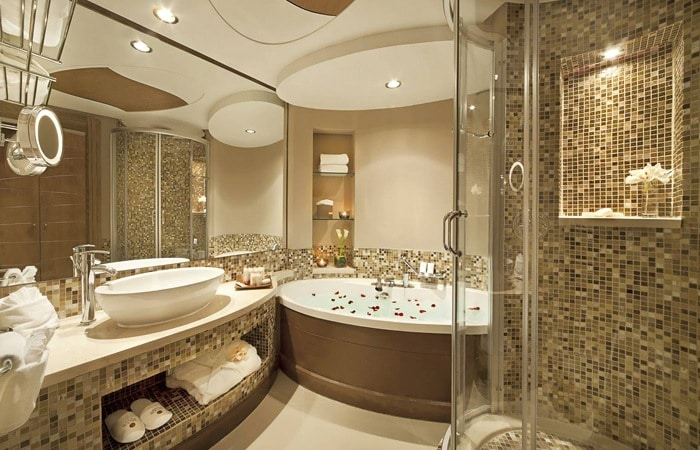 Stijlvolle badkamer met mosaiek