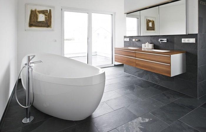 Tegels badkamer inspiratie voorbeelden badkamertegels toepassen - Kleur idee ruimte zen bad ...