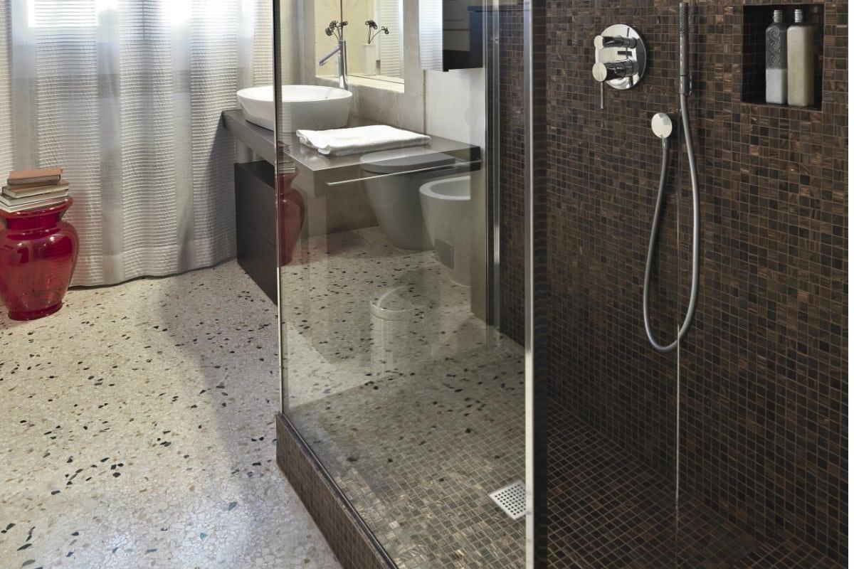 Badkamer Douche Vloeren : Goedkope badkamer inspiratie tips voor een goedkope badkamer