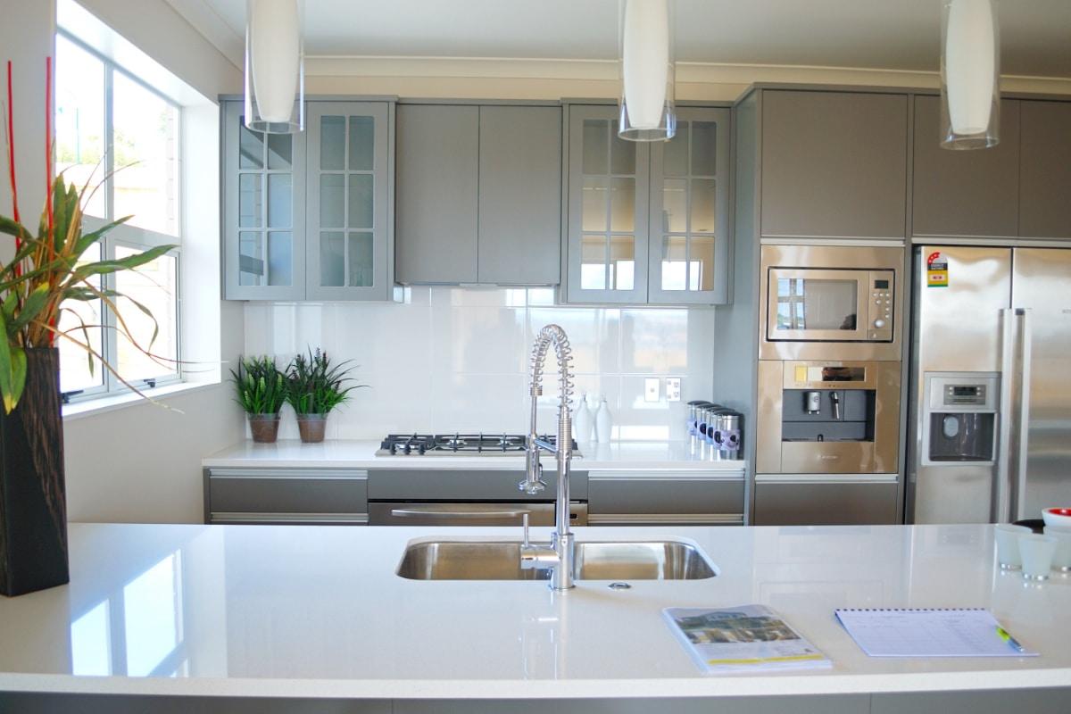 wandtegels in moderne keuken